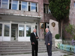 ijevan-college-director-greeting-aaef-president-mr-abrahamian-001 (1)