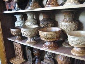 Yegegnadzor VHS carpentry students hand carved vases 7,10.08 560